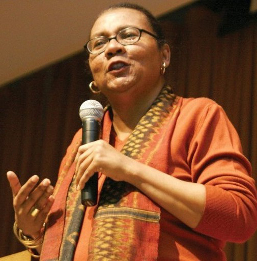 bell hooks teaching critical thinking 2010