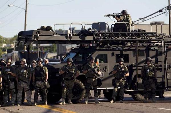 Tanks-and-SWAT-police-in-Ferguson-MO